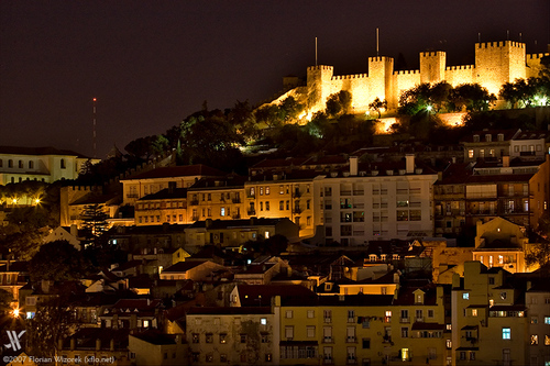 another gorgeous nightview highlighting the castle of sao jorge castle of saint george lisbon portugal Travel To Portugal   Top 10 Best Places