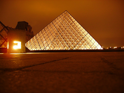 louvre pyramid glitters in charm Travel To France   Top 10 Best Places