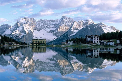 Misurina Lake, Sorapiss Peaks and the Dolomites form a breathtaking site in Italy