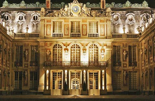 the baroque palace of versailles is a royal chateau in the ile de france region it is one of the most popular tourist destinations in france Travel To France   Top 10 Best Places