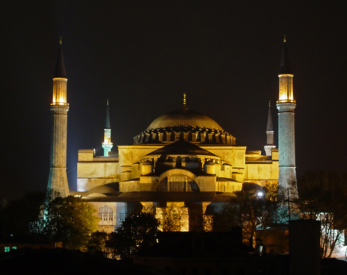 Aya Sofya (Sancta Sophia) at night.