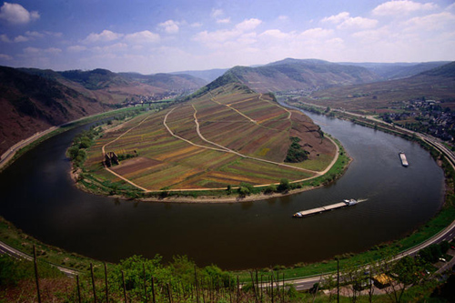 Moselschleise bei Bremm, a bend in the Moselle River