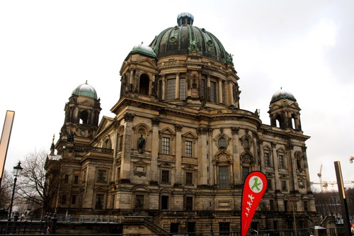 The breath-taking neo-baroque Berliner Dom (Berlin Cathedral) 1905, has been restored to its pre-WWII splendour