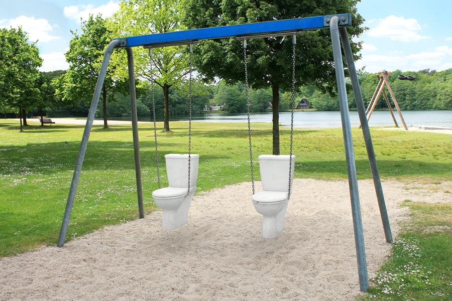 toilet_swing