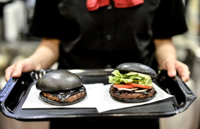 Kuro Burger black burger