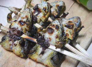 You Wouldn't Believe Developing Frog Tadpoles Is A Popular Food In Thailand